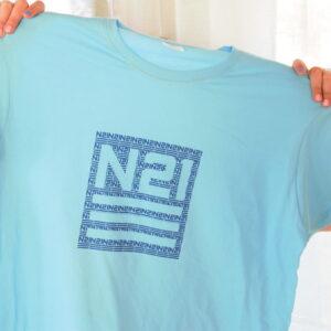 N21 t-särk logoga